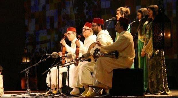 Photo of الموسيقى الأندلسية تشنف مسامع البيضاويين في ليالي رمضان بحضور أجنبي