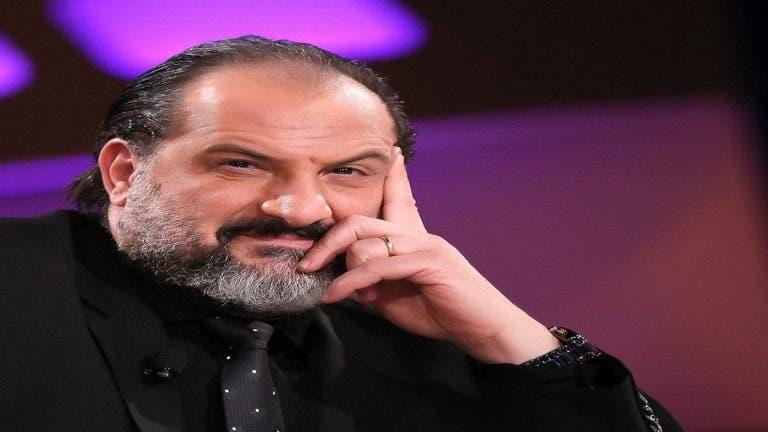 """Photo of خالد الصاوي: """"قطع لسان"""" كل من يصف مبارك بالخائن"""