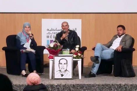 "Photo of ""الزواوي "" يصدر كتابه  ""الرياضة ورهان التنمية البشرية.. OCK نموذجا"""