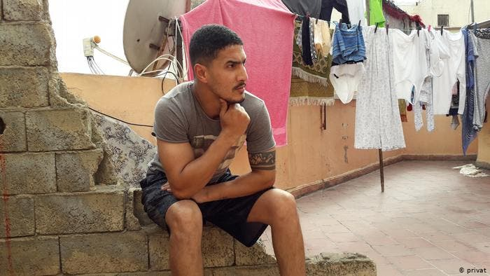"""Photo of مُرحل مغربي من ألمانيا: """"لا مستقبل لي هنا.. سأعود إلى ألمانيا سباحة"""""""