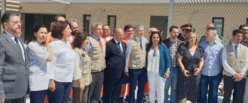 Photo of الجزيرة الخضراء: وزير الداخلية الإسباني يفتتح رفقة القنصل العام باحة الإستراحة بالميناء