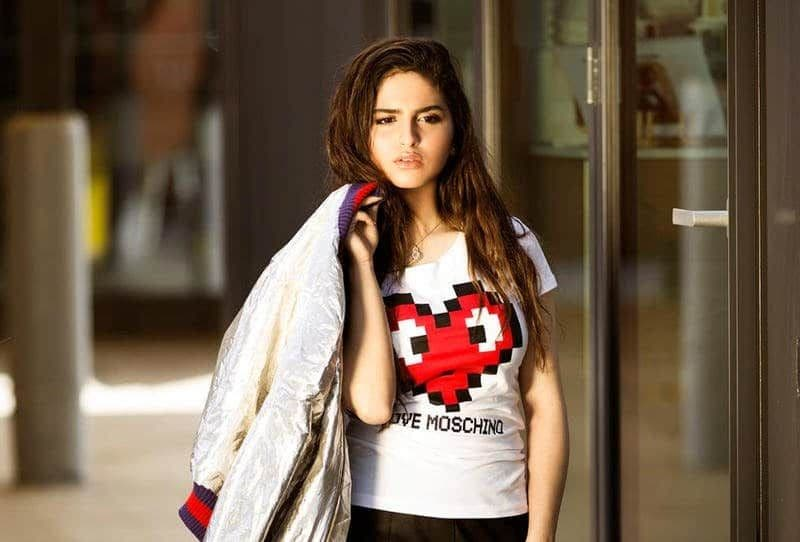 Photo of دنيا باطما: حلا الترك اختارت والدها
