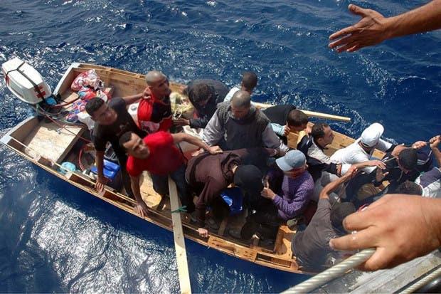 Photo of ما حقيقة اختفاء أعداد كبيرة من قوارب المهاجرين في المتوسط؟