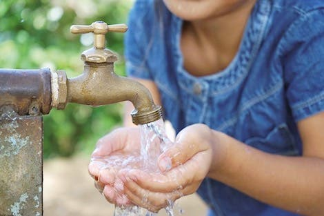 Photo of تقرير يُحذر من ندرة المياه بالمغرب وخطر سقي الحدائق