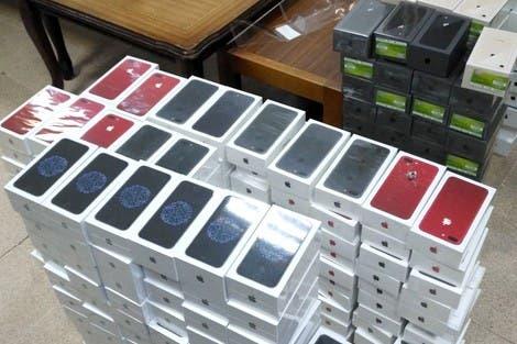 Photo of إحباط 3 عمليات لتهريب هواتف نقالة وأجهزة إلكترونية بميناء طنجة المتوسط