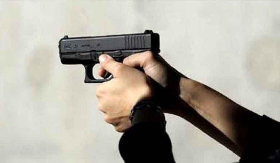 Photo of الدار البيضاء .. موظف شرطة يُشهر سلاحه لتوقيف مجرم خطير