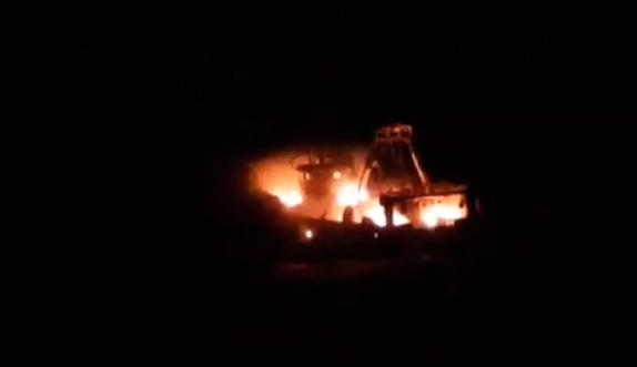 Photo of أكادير : إندلاع النيران بمركب للصيد وسط البحر