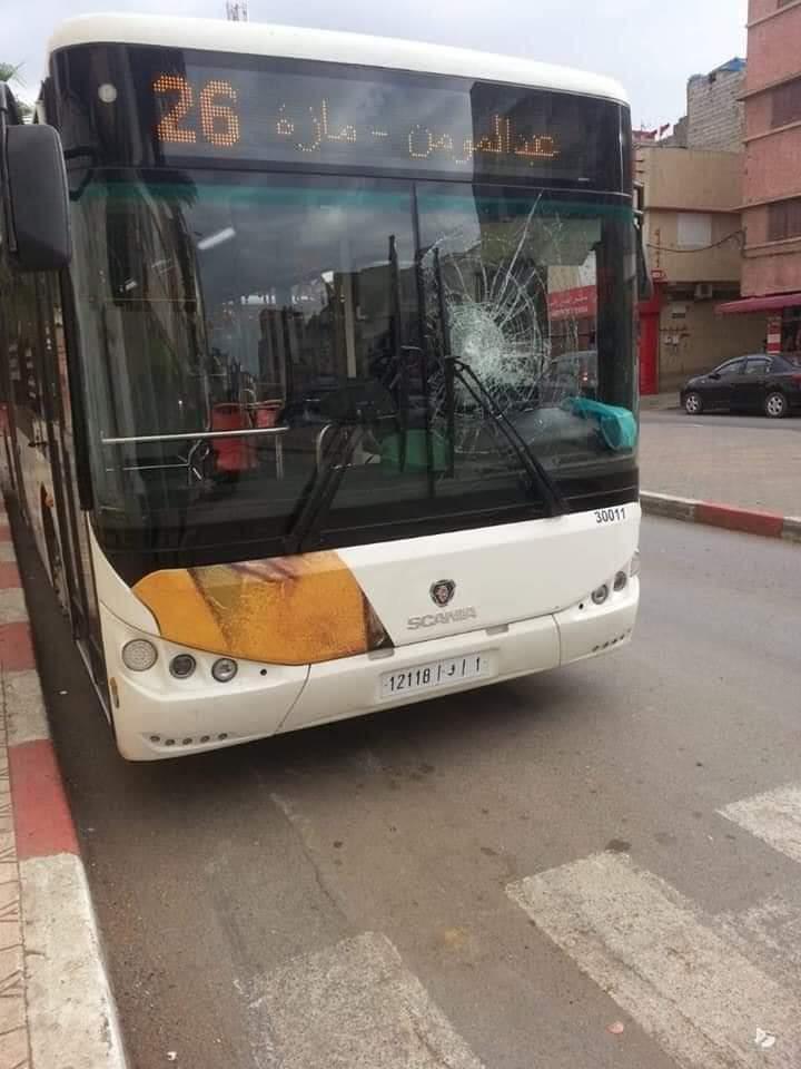 Photo of كسر واجهة حافلة جديدة عن عمد.. توقيف شاب بسلا