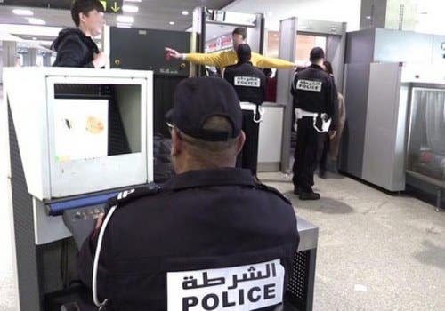 """Photo of اعتقال أربع تونسيين حاولوا تهربيب """"الحشيش"""" من مطار محمد الخامس"""