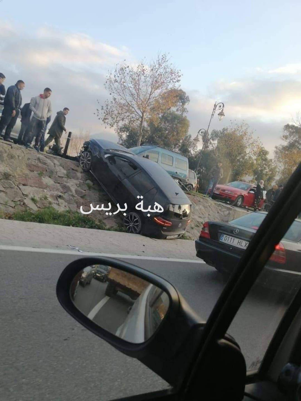 Photo of حادثة سير خطيرة قرب ملعب سانية الرمل بتطوان