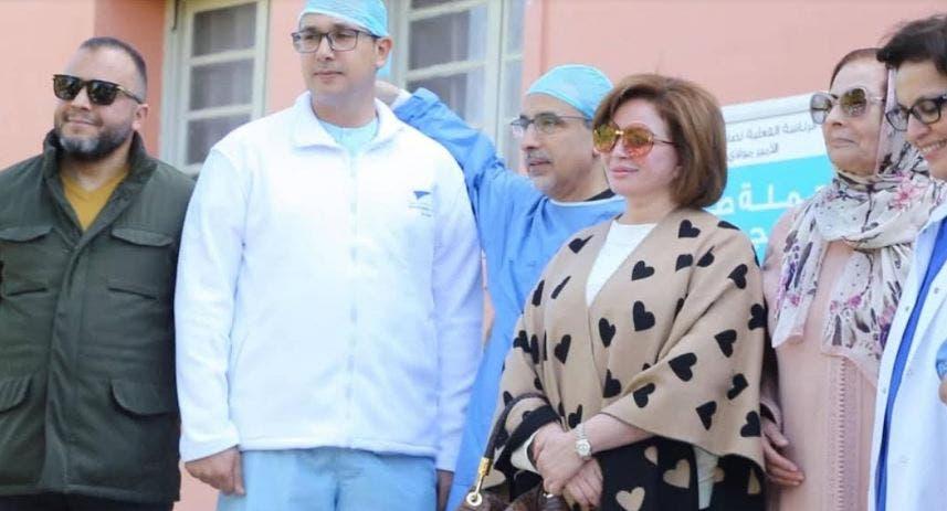 Photo of نجوم مهرجان مراكش للسينما يزرعون الابتسامة على هامش حملة طبية