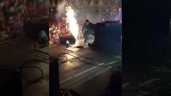 Photo of بالفيديو .. لحظة وفاة مطرب مشهور على الهواء خلال حفله