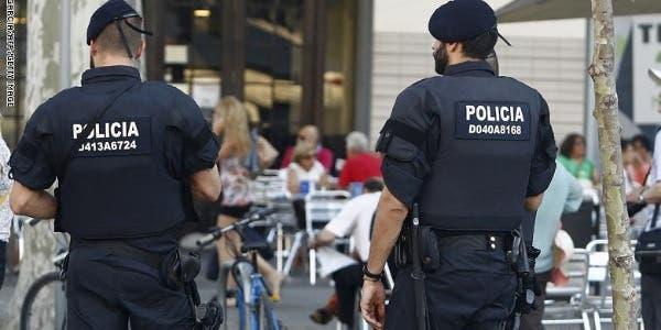 Photo of فالينسيا: الشرطة البلدية تحرر مخالفة غريبة ضد سائح مغربي