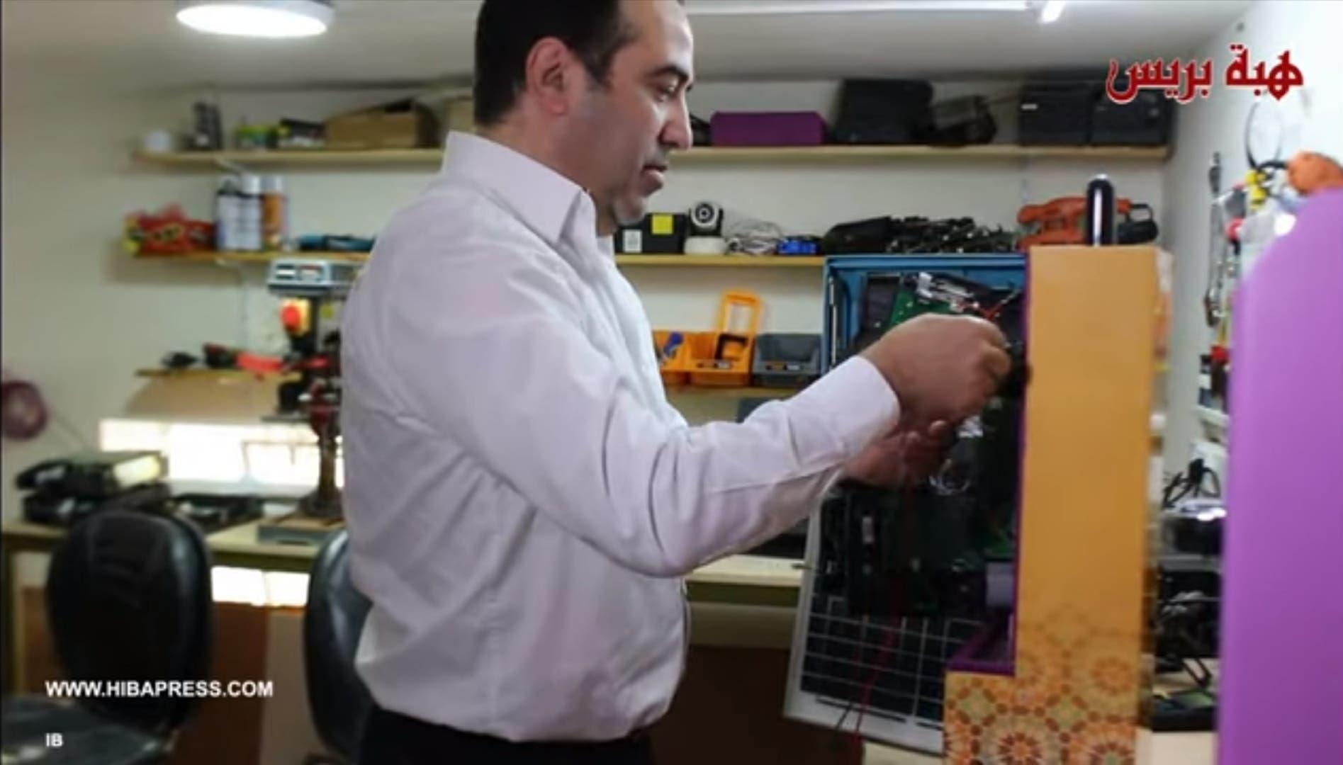 """Photo of مخترع طنجاوي.. ابتكر جهاز اتصالات يتواصل ب""""الريفية"""" الأمازيغية"""