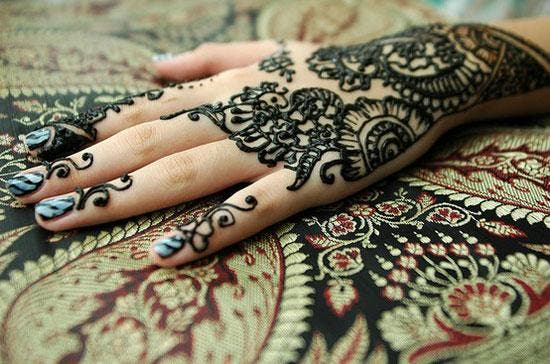 "Photo of هروب ""والدة العروس"" مع ""والد العريس"" .. نهاية درامية لحفل زفاف"