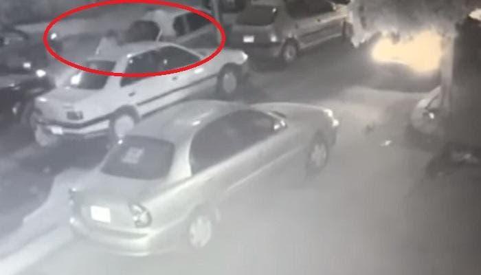 Photo of فيديو صادم .. شاب يُطلق النار على خطيبته ثم يحاول الانتحار لهذا السبب