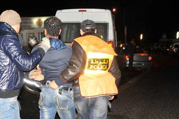 Photo of أمن البيضاء يشن حربا على مروجي المخدرات و يعتقل شبكة تهريب
