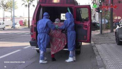 Photo of لحظة نقل سيدة مشتبه في إصابتها بكورونا إلى مستشفى سيدي عثمان بالبيضاء