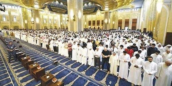 "Photo of ""الاتحاد العالمي للمسلمين"" يدعو إلى إيقاف إقامة صلاة الجمعة وصلوات الجماعة"