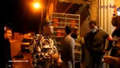 Photo of قائد بانزكان يندر مواطنين خالفوا حظر التجول ويغلق المحلات التي لم تمتثل لتوقيت الاغلاق