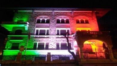 Photo of في مبادرة تضامنية … مبنى سفارة المغرب بروما يتزين بألوان العلم الإيطالي