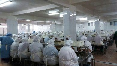 Photo of شركات تستأنف العمل بالمغرب وتهدد عمالها بالطرد في حالة امتناعهم
