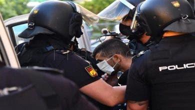 Photo of شُرطة سبتة المُحتلة تعترض مغاربة رفضوا العودة وتُخلي مراكز إيواء العالقين