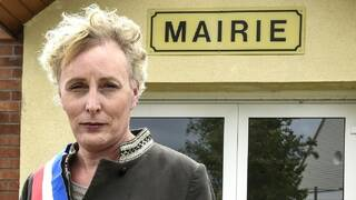 Photo of لأول مرة.. انتخاب متحولة جنسيا رئيسة لبلدية فرنسية