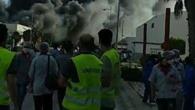 Photo of عاجل.. حريق ضخم يلتهم مصنع للكابلاج بطنجة