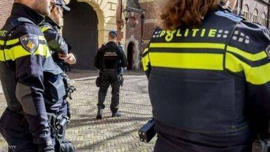 Photo of إصابة 6 أشخاص إثر اصطدام سيارة بمقهى في هولندا