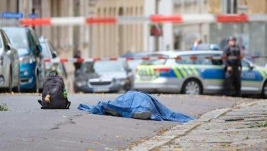 """Photo of بريطانيا.. مقتل 3 أشخاص بعملية طعن في مدينة """"ريدنغ """""""