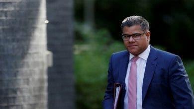 Photo of وزير بريطاني يخضع لفحص الكشف عن كورونا