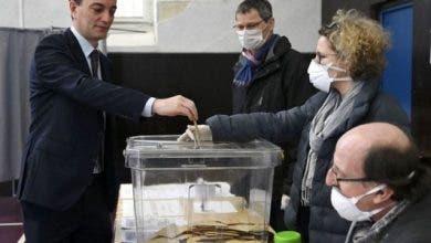 Photo of الانتخابات البلدية الفرنسية.. مكاتب التصويت تفتح أبوابها