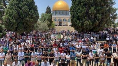 Photo of بعد إغلاقه لأزيد من شهرين .. الفلسطينيون يؤدون أول صلاة جمعة بالمسجد الأقصى