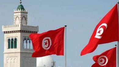Photo of بعد 3 أشهر من الإغلاق.. تونس تفتح حدودها الجوية والبرية والبحرية