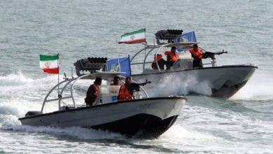 """Photo of السعودية تطرد 3 قوارب إيرانية دخلت مياه المملكة باستخدام """"طلقات تحذيرية"""""""