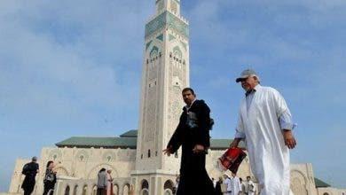 Photo of الأوقاف تثبث آلات التعقيم ببوابات المساجد وتحث الأئمة على التذكير بأهمية التباعد في كل صلاة