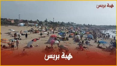 "Photo of شاطئ ""الصابليط"" بالمحمدية …استجمام المئات من المواطنين واكتظاظ أمام حافلات النقل"