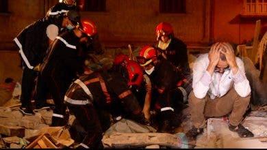 Photo of إنهيار أخ الرجل ضحية فاجعة سباتة لحظة إنتشال جثة أخيه من تحت الانقاض