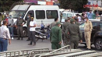 Photo of كورونا تضرب بقوة الحي المحمدي والسلطات تغلق مداخل ومخارج المنطقة
