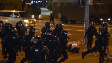 Photo of مقتل شخص في الاشتباكات بين الشرطة ومحتجين في عاصمة بيلاروس