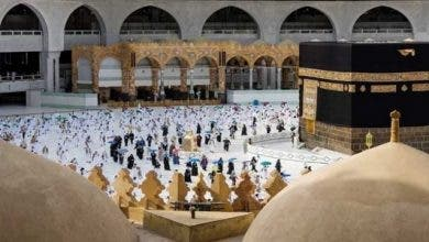 Photo of الحجاج يواصلون رمي الجمرات.. والمتعجلون يؤدون طواف الوداع- (صور)