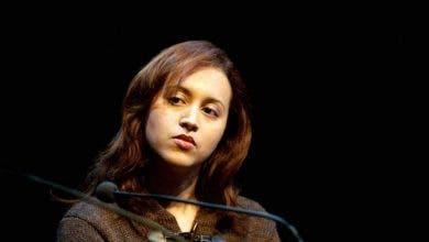 Photo of إشتهرت بكتاباتها الجريئة.. صدمة في هولندا بعد انتحار المغربية نعيمة البزاز