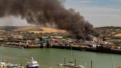 """Photo of بريطانيا.. إصابات في انفجار ضخم بميناء """"ساسكس"""""""
