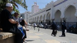 Photo of الجزائر.. قرار بفتح المساجد واستثناء صلاة الجمعة